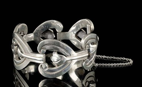 heavy Mexican Deco silver Bracelet with tulip cut out links