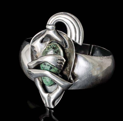 "Mexican silver jasper ""crouching man"" hinged Bracelet - Teran design"