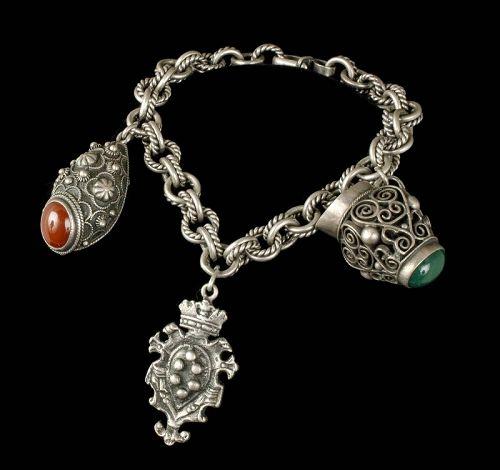 talian Deco 800 silver Etruscan fob charm Bracelet Peruzzi style