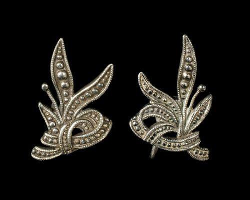 Margot de Taxco Mexican silver Earrings ~ des 5346 foliate beaded bow