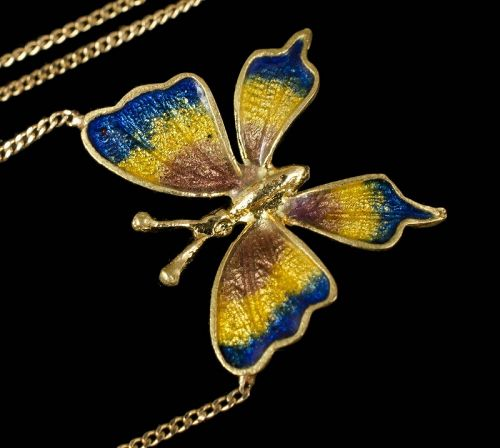 18k yellow gold and enamel butterfly Pendant Necklace