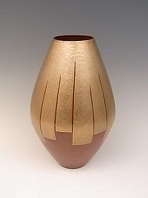 JAPANESE MID 20TH CENTURY HAND HAMMERED COPPER VASE BY