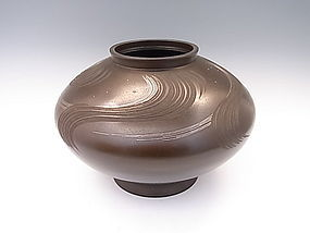 JAPANESE L. 20TH C. BRONZE VASE BY HONBO KEISEN