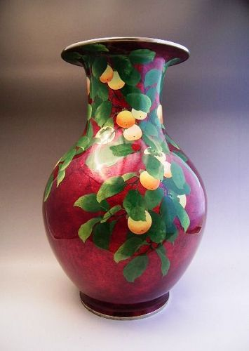 Japanese Meiji Period Large Pigeon Red Ando Cloisonne Persimmon Vase