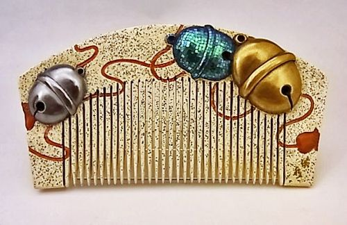 Japanese E. Showa Period Lacquer Bell Design Hair Comb