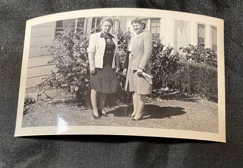 Snapshot Photo 1945 Santa Monica Ladies