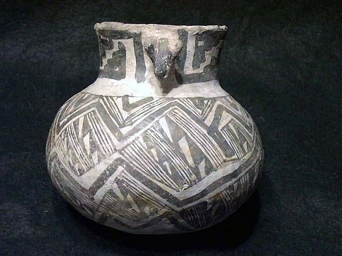 "Anasazi/Tularosa Black on White Olla with Dog Head Lug""No Restoration"""