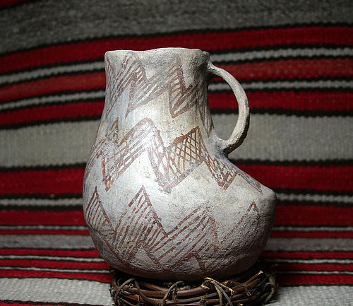 Anasazi / Mesa Verde b/w Large duck effigy pitcher ca. 1180 ad.