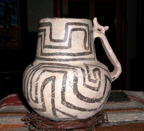 Anasazi / Snowflake black on white effigy pitcher ca 1100 to 1300 ad.