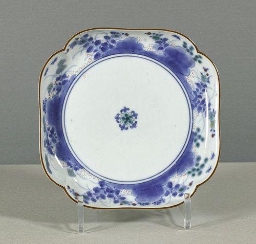 A Japanese Arita porcelain Kakiemon style dish, circa 1720~1750