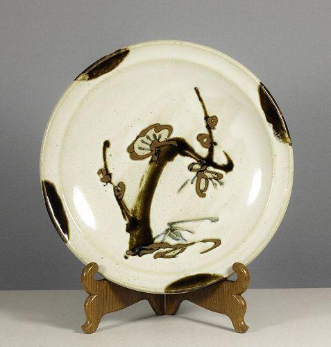 Sakuma Totaro (1900~1979). A large stoneware dish, signed tomobako.