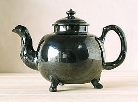 Fine 18th Century English Pottery Jackfield Teapot