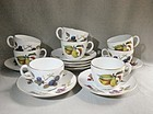 Set of 8 Evesham Royal Worcester Tea/Coffee Cups and Saucers ca 1970