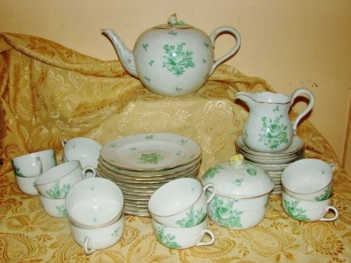 Herend Tea Service for 12 - Green Petit Bouquet de Rose - ca 1940