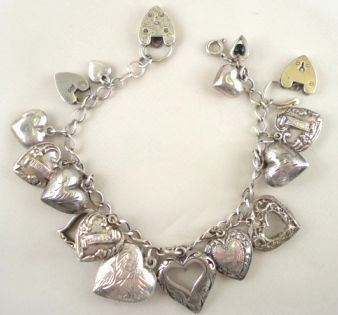 Hearts, hearts, hearts...A vintage bracelet of love