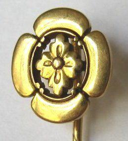 20kt Gold Japanisme Family Crest Stick Pin