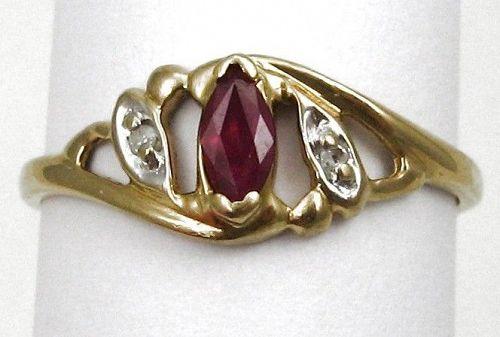 Ruby & Diamond Ring 10kt Gold