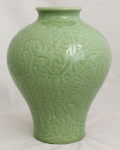 Chinese Republic Camelia Green Carved Meiping Porcelain Vase