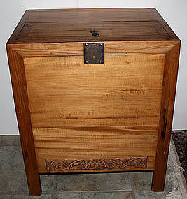 Chinese Qing Dynasty Elm Wood Rice Chest Natural Finish