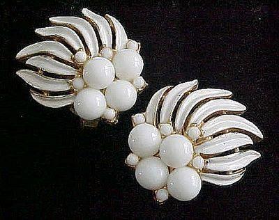 Gorgeous Summer White Trifari Earrings