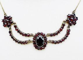 Art Deco Bohemian Garnet Necklace