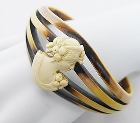 Art Deco Celluloid Bangle With Detailed Cameo