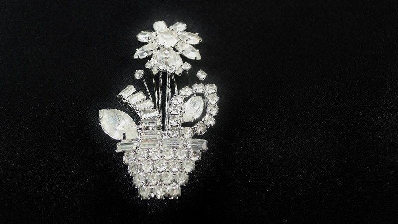 Pretty Small Rhinestone Flower Basket Pin
