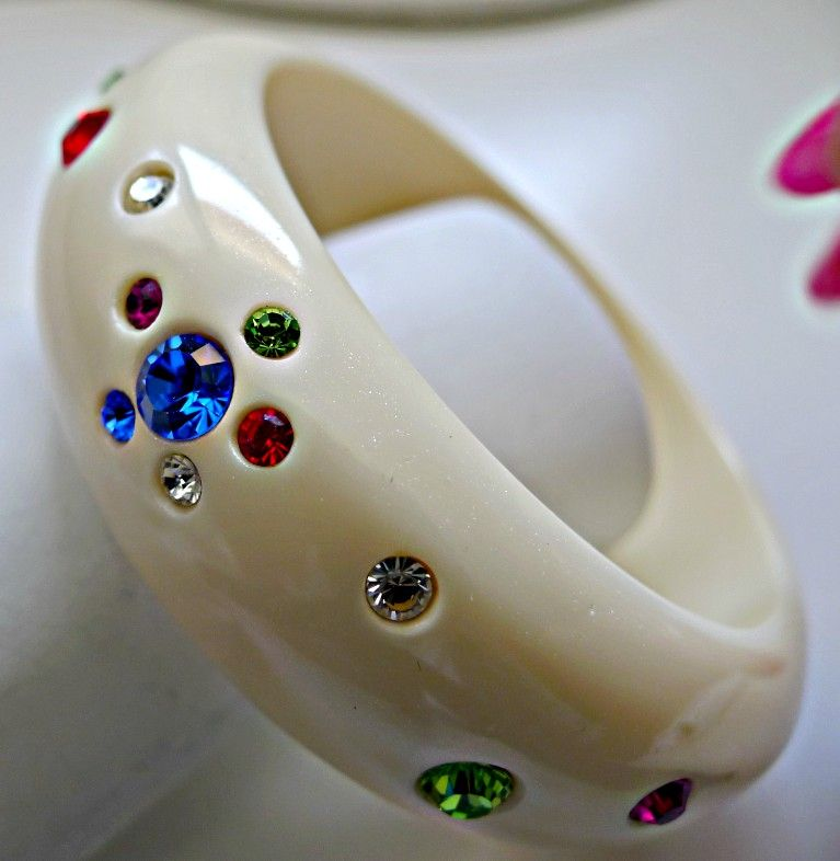 Vintage Hard Plastic Bangle Bracelet with Rhinestones