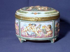 Capo di Monte Porcelain Bronze Hinged Box