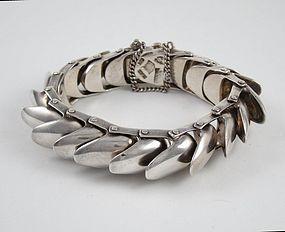 "ANTONIO PINEDA ""Armadillo Scales"" Bracelet 970 Silver"