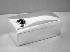 FRED DAVIS ART DECO STERLING SILVER & ONYX BOX 1930'S