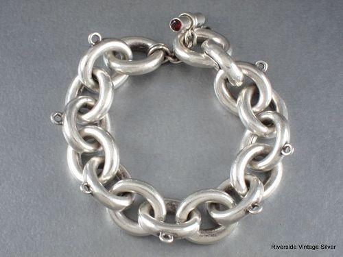 ANTONIO Pineda Charm Bracelet 970 Silver & Garnet