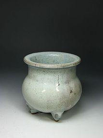 A Decent Junyao Tripod Censer of Jin Dynasty