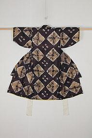 The Taisho era Silk Shibori Child kimono.