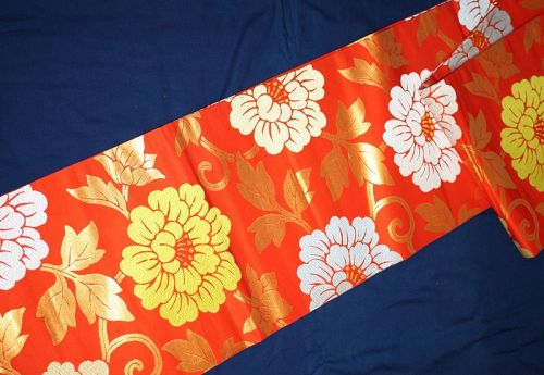 Japanese vintage silk gorgeous and beautiful orange and gold maru obi