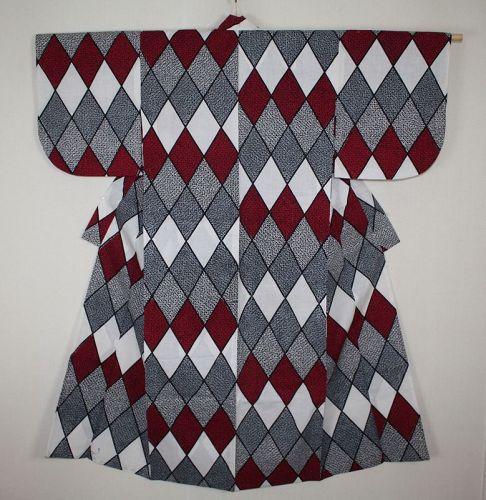 Japanese vintage cotton yukata kimono of Pop rhombus pattern