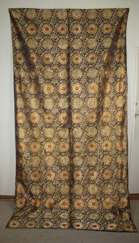 Japanese antique very beautiful meiji silk gold kinran big uchishiki