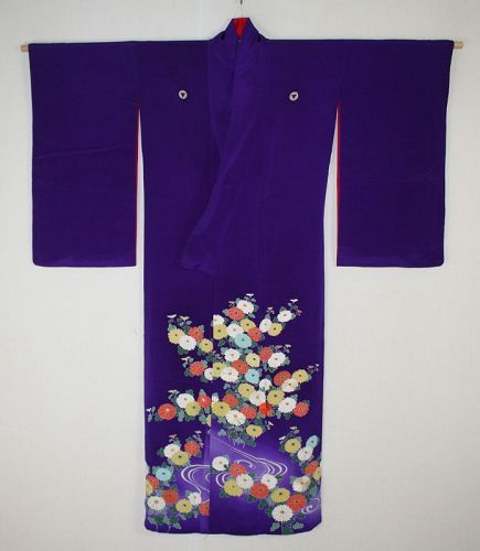 Japanese vintage silk Blue purple kimono of Dyed and embroidered