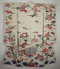 Japanese antique Luxurious furisode kimono from the Taisho era