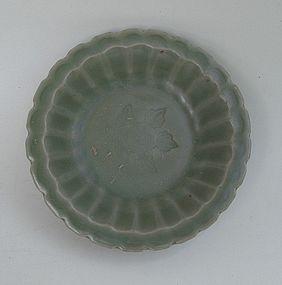 A Yuan Dyn Longquan Celadon Small Dish