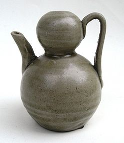 Five Dynasties Yue Yao Small Gourd Ewer