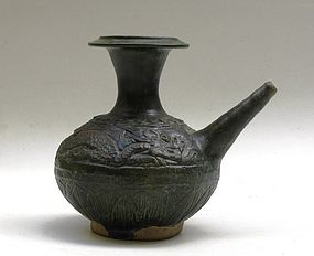 15th-16th Century Sancai Glaze Kendi With Dragon Motive