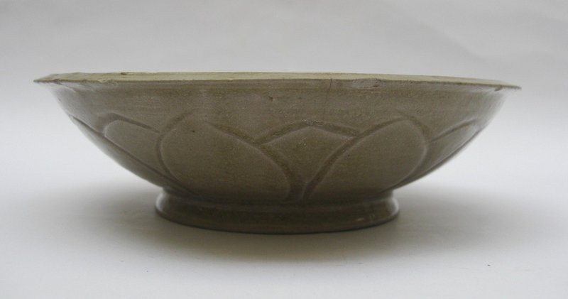 Five Dynasties Yue Bowl With Lotus Pattern