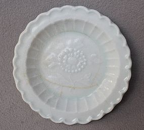 Chinese Song Dynasty Flower Shape Dish with Molded Flower Motive.
