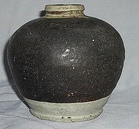 A Black Glaze Jar,song dynasty