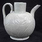 A Yue Ewer with Flower carved decoration,Song dynasty