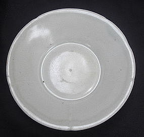Song Dynasty White Glaze Soucer Dish