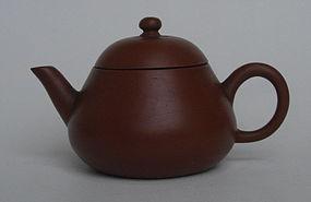 Small Red Clay Chinese Yixing Teapot, Jiaqing Mark