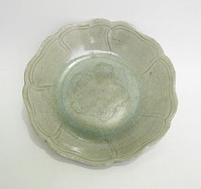 A Fine Northern Song Flower Shape Celadon Dish