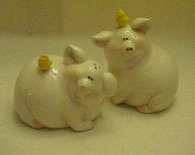 Large pig s&p shakers with little chicks on the pigs